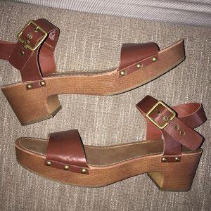 American Eagle Platform Sandals